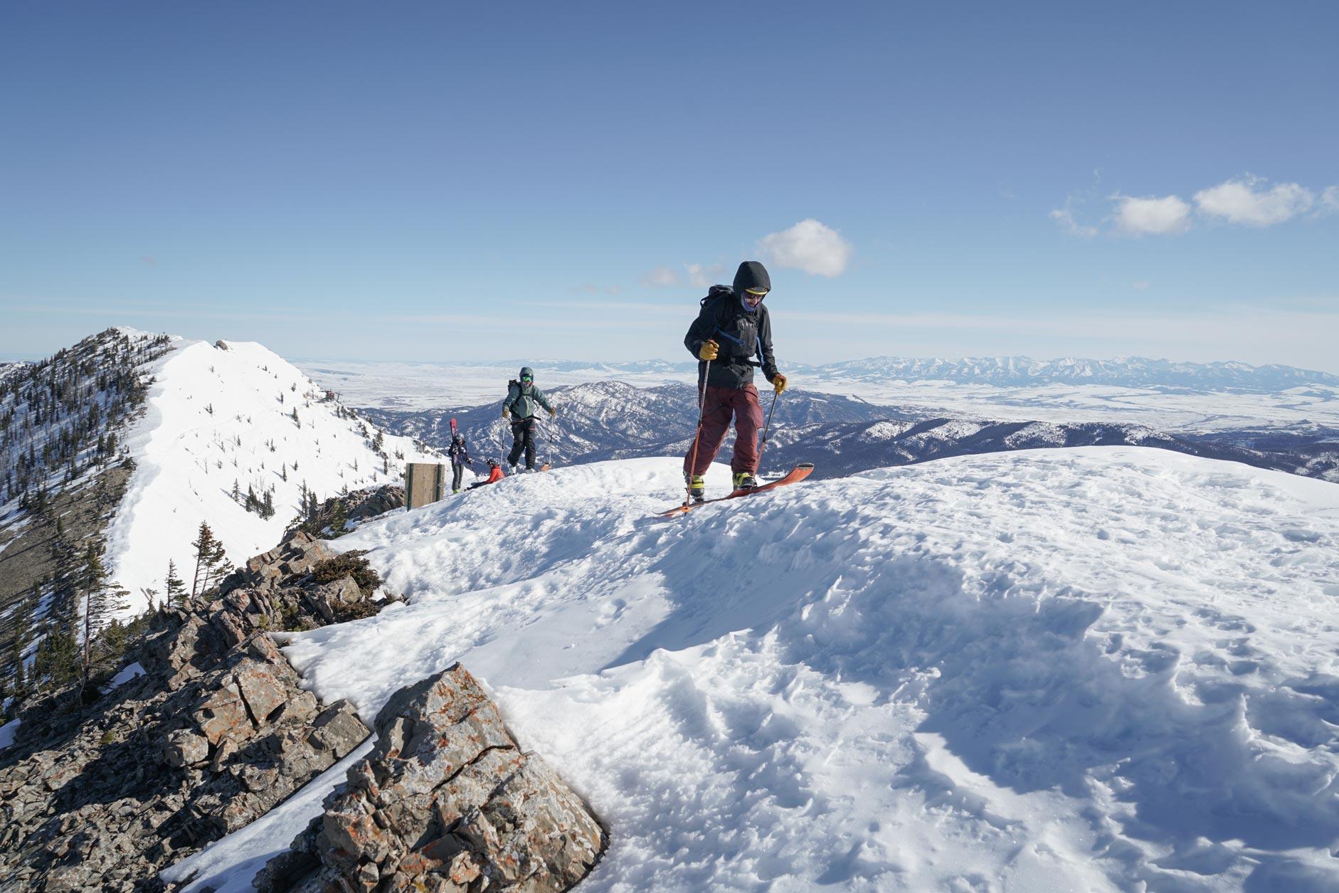 GNFAC forecasters walk on the ridge